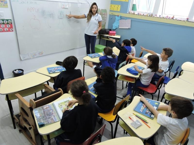 Valor da Creche Infantil com Inglês Santa Terezinha - Creche Infantil Meio Período São Bernardo